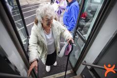 Toplu Taşımalarda Yaşlılara Yer Vermeli mi?