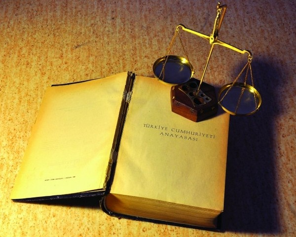 Yeni anayasa teklifini destekliyor musunuz?