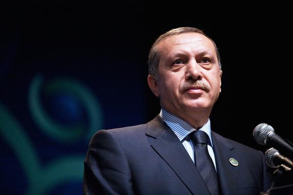"Referandumda ""HAYIR"" çıkarsa, sizce Recep Tayyip Erdoğan istifa etmeli midir?"