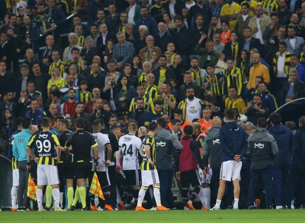 Beşiktaş'ın Fenerbahçe derbisine çıkmama kararını doğru buluyor musunuz?