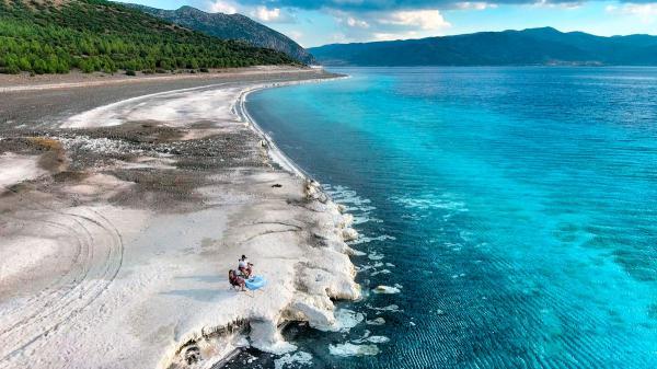 Salda Gölü'ne Millet Bahçesi yapılacağı açıklandı. Bunu doğru buluyor musunuz?